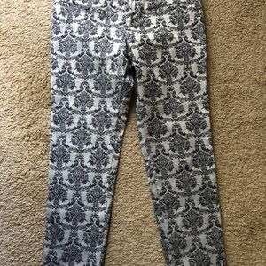 ANTHROPOLOGIE ANKLE PANTS SIZE 6